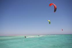 Hurghada, Red Sea - kitesurfing holiday .