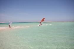 Hurghada, Red Sea - windsurfing lessons & clinics.