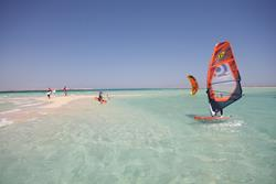 Hurghada, Red Sea - learn to windsurf & kitesurf courses.