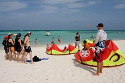 Aruba, Caribbean - learn to kitesurf course