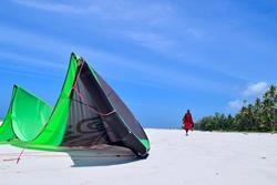 Kenya - Diani Beach. Windsurf, kiteusrf, surf and SUP holidays.