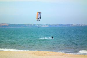 Vietnam Learn to Kitesurf