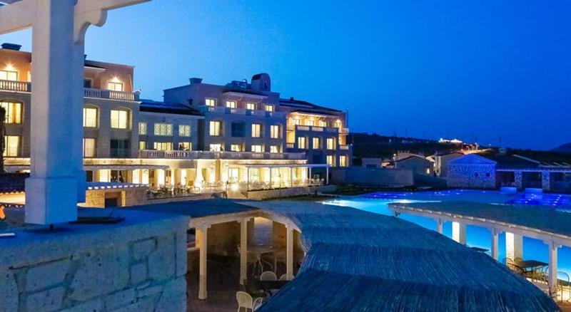 Alacati alkoclar exclusive luxury resort windsurf for Exclusive luxury hotels
