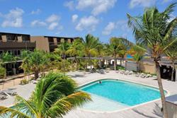 Eden Beach Hotel - Bonaire. Swimming pool.