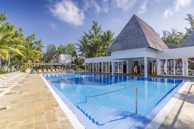 Coral riu hotel mauritius all inclusive windsurf for Swimming pool mauritius