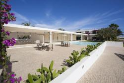 Hotel Dunas De Sal, Cape Verde. Swimming pool and dining area.